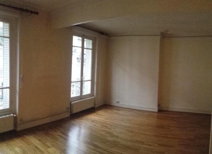 Photo avant - aménager une pièce 2 fois plus grande par rapport à l'appartement précédent, bien identifier l'espace salon et l'espace salle à manger