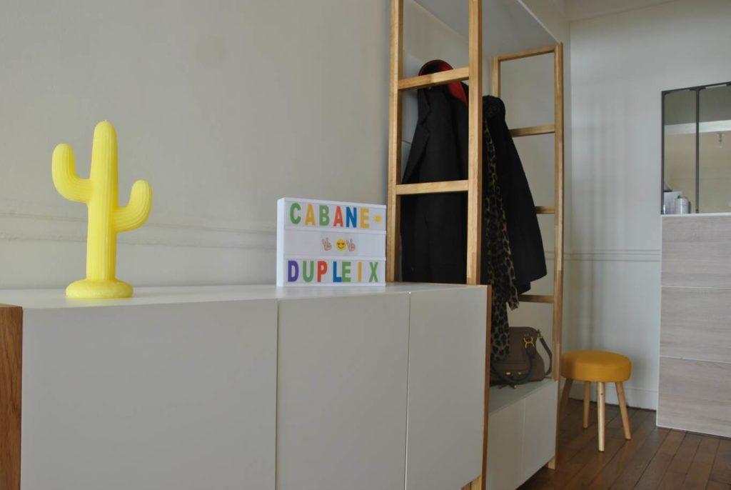 Photo après entrée - aménager tout un appartement en intégrant les éléments meubles et déco déjà existants